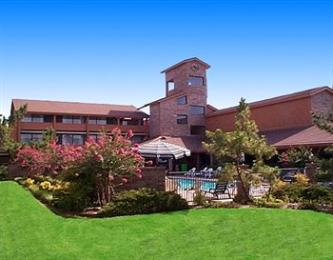 ‪BEST WESTERN PLUS Saddleback Inn & Conference Center‬