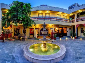 Chakra Resorts: Ratan Haveli Resort At Jaipur