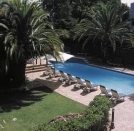Garden Court de Waal