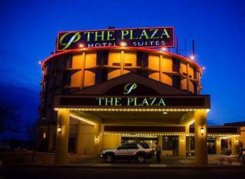 Plaza Hotel and Suites Eau Claire