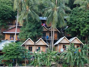 Golden Hill Bungalows