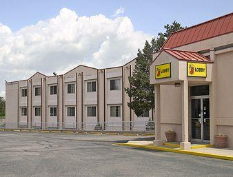 Super 8 Colorado Springs/South Circle