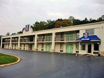 ‪Motel 6 Kingston‬