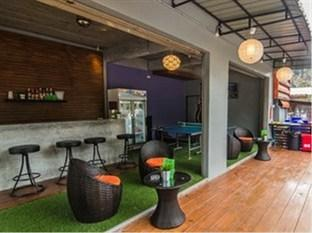 Slumber Party Hostel and Bar