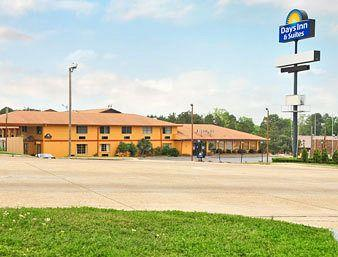 ‪Days Inn & Suites Marshall‬