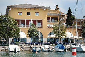 Photo of Hotel Vela d'Oro Bardolino