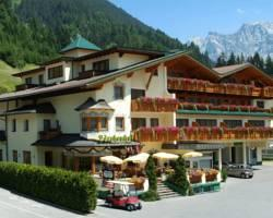 Ferienanlage Hotel Garni Lrchenhof