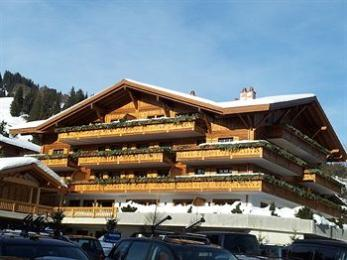 Hotel des Alpes by Bruno Kernen