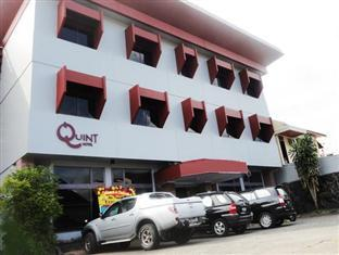 Photo of New Queen Hotel Manado