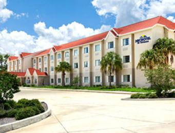 ‪Microtel Inn & Suites by Wyndham Lady Lake/The Villages‬