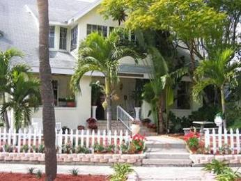 Beach Drive Inn Bed and Breakfast