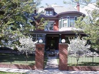 Wallace House Bed and Breakfast