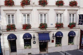 Photo of Les Trois Poussins Hotel Paris