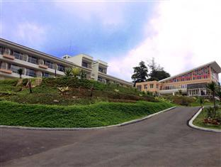 Casa Monte Rosa Hotel _ Puncak Mountain Resort