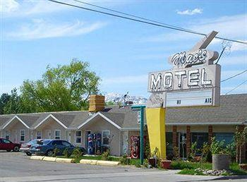 Mac's Motel
