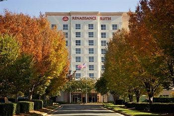 Renaissance Charlotte Suites