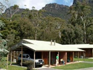 ‪Halls Gap Log Cabins‬
