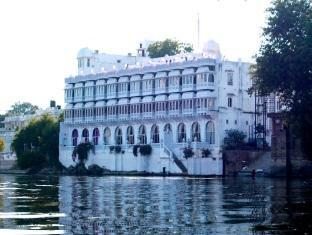 Lake Pichola Hotel