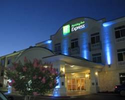 ‪Holiday Inn Express Hotel & Suites Bastrop‬