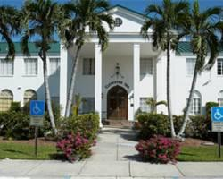Clewiston Inn