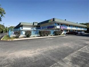 Photo of Motel 6 Grand Rapids North Walker