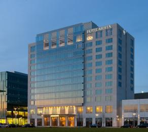 Hotel Arista at CityGate Centre
