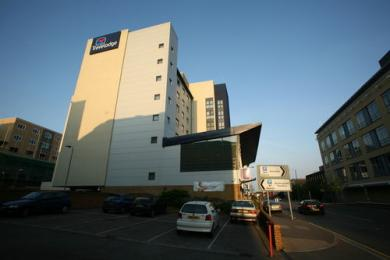 Travelodge Slough (Landmark Place Slough Be SL1 1BZ)