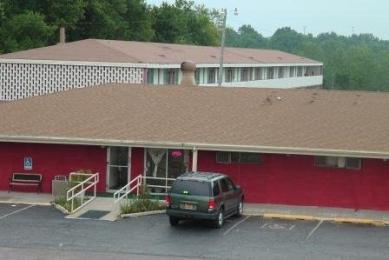 Photo of Regency Inn & Suites Topeka