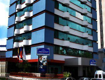 ‪Howard Johnson Hotel - Quito La Carolina‬
