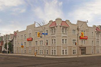 Photo of Econo Lodge Inn & Suites Downtown Toronto