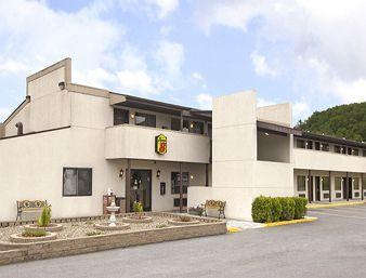 Bridgeport Super 8 Motel