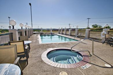 Photo of BEST WESTERN Club House Inn & Suites Mineral Wells