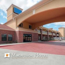 Magnuson Hotel and Suites Baytown
