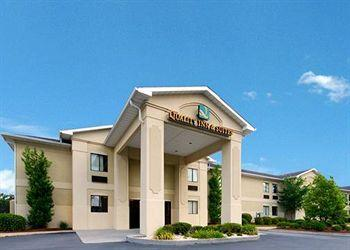 Photo of Quality Inn & Suites Savannah North Port Wentworth