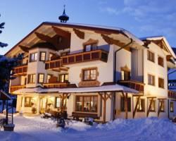 Photo of Hotel Holzerhof Schladming