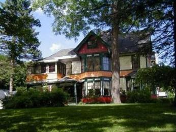 Mount Greylock Inn