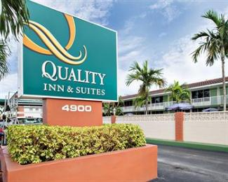 ‪Quality Inn & Suites Hollywood Boulevard‬