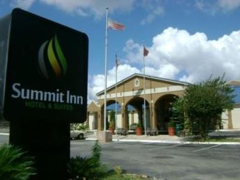 Photo of Summit Inn Hotel and Suites San Marcos