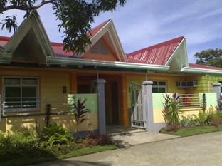Photo of Breeze and Waves Cottages Caramoan