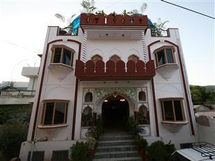 Hotel Kishan Palace