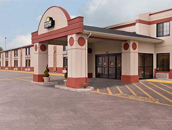 Days Inn & Suites Girard