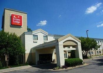 Photo of Econo Lodge Inn & Suites Raleigh