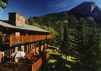 Photo of Overlander Mountain Lodge Jasper