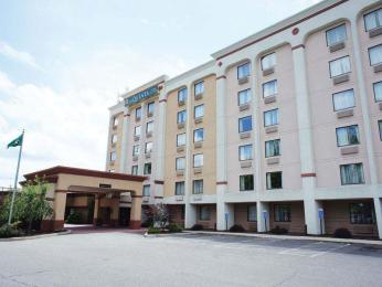 ‪La Quinta Inn & Suites New Britain/Hartford South‬