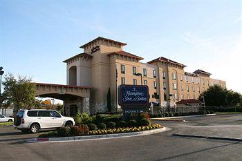 Hampton Inn & Suites -