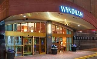 Wyndham Pittsburgh University Place
