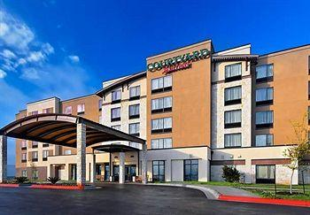 ‪Courtyard by Marriott Austin Airport‬