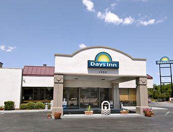 Days Inn Charleston - Airport Coliseum