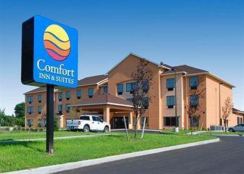 Photo of Comfort Inn & Suites Farmington