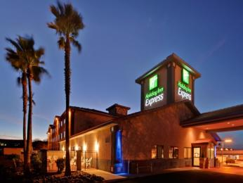 Holiday Inn Express Green Valley